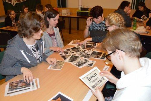 Noční vyučování s tematikou holokaustu